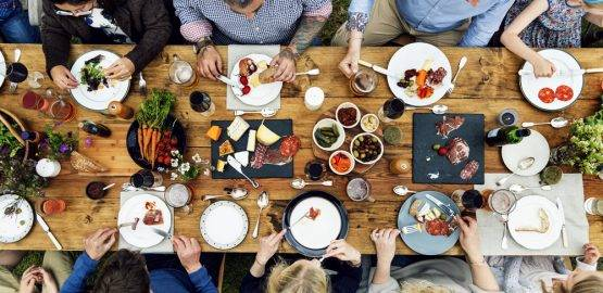 Picnic Month Summer Dining